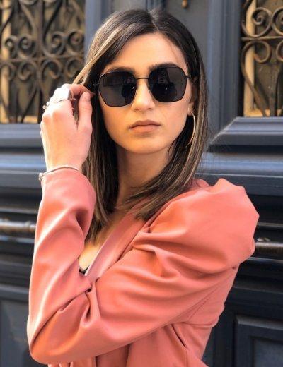 Γυναικεία μαύρα πολυγωνικά γυαλιά ηλίου με μαύρο σκελετό Premium S6078L