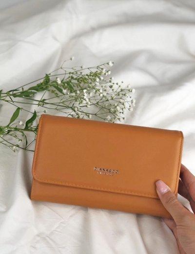 Γυναικείο κάμελ πορτοφόλι δερματίνη με κούμπωμα DFX18905