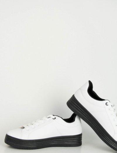 Γυναικεία λευκά Sneakers δερματίνη μαύρη σόλα W68R